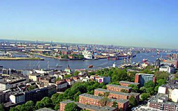 Hafen- und Stadtansicht