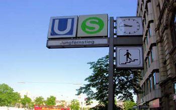 U-Bahn Haltestelle Jungfernstieg