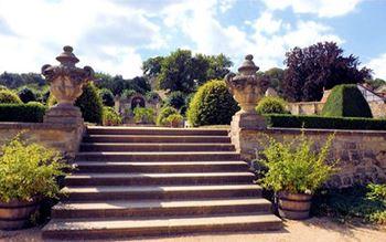 Treppe ist im Schlosspark