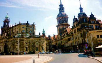 Kathedrale der heiligsten Dreifaltigkeit in Dresden