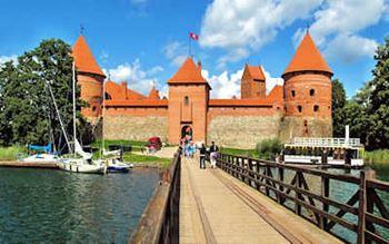 Brücke zur Wasserburg Trakai