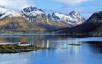 Kirche von Sildpollnes am Austnesfjord
